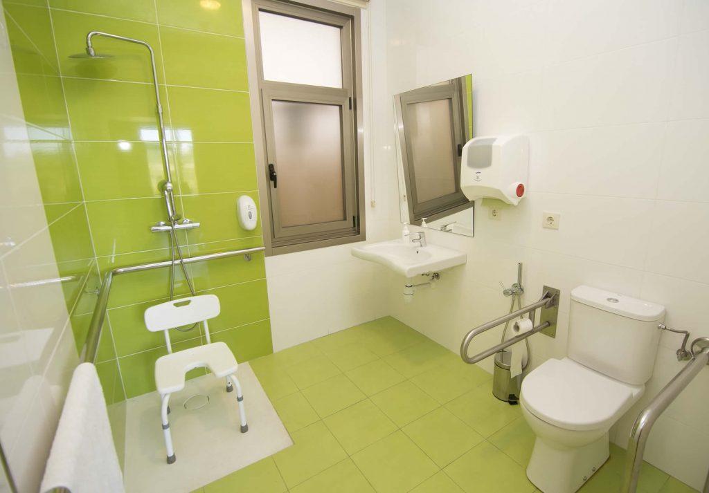 Baños y aseos completamente accesibles
