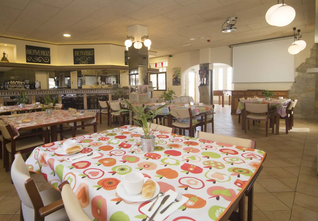 Instalaciones: Comedor y sala de cocina